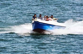 Andaman Lagoons - Popular Water Sports Activity or Adventure Activity Speed Boat Ride at Corbyn's Cove Beach, Rajiv Gandhi Water Sports Complex or Andaman Water Sports Complex and North Bay or Coral Island at Port Blair, Bharatpur Beach at Neil Island in Andaman Islands